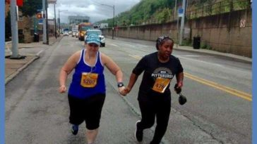 Whoever these two runners are totally made my day!